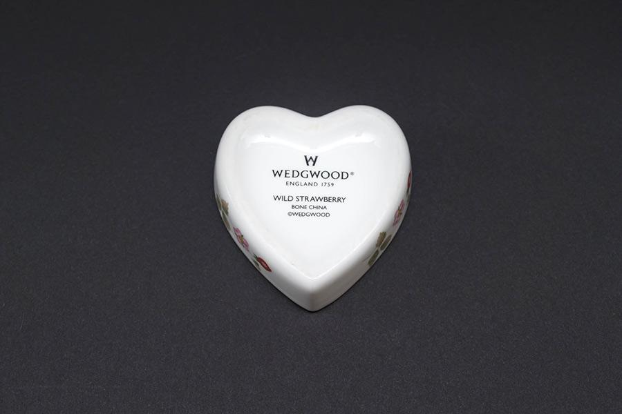 ウェッジウッド ワイルドストロベリー ハート型小物入れ
