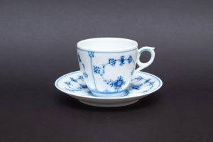 ロイヤル・コペンハーゲン ブルーフルーテッドプレイン コーヒーカップ&ソーサー