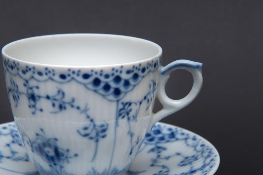 ロイヤル・コペンハーゲン ブルーフルーテッドハーフレース コーヒーカップ&ソーサー(150ml)