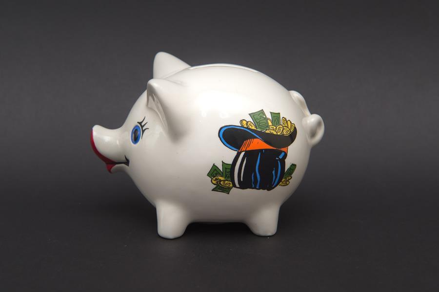 ゲーベル 仔豚の貯金箱