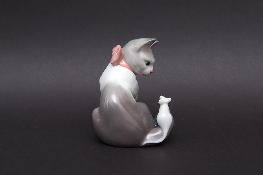 リヤドロ フィギュリン 『Cat and mouse(ネコとネズミ)』