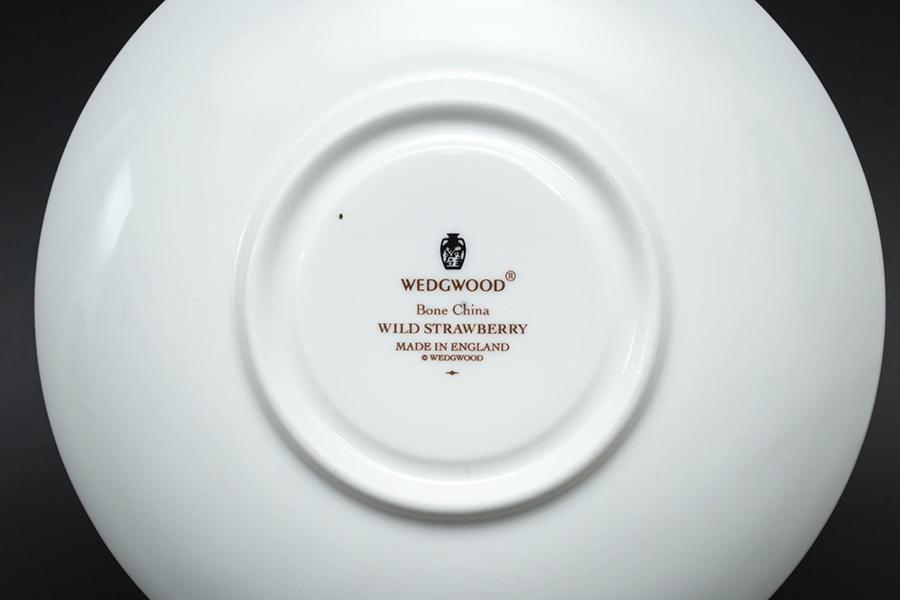 ウェッジウッド ワイルドストロベリー ティーカップ&ソーサー(リー)