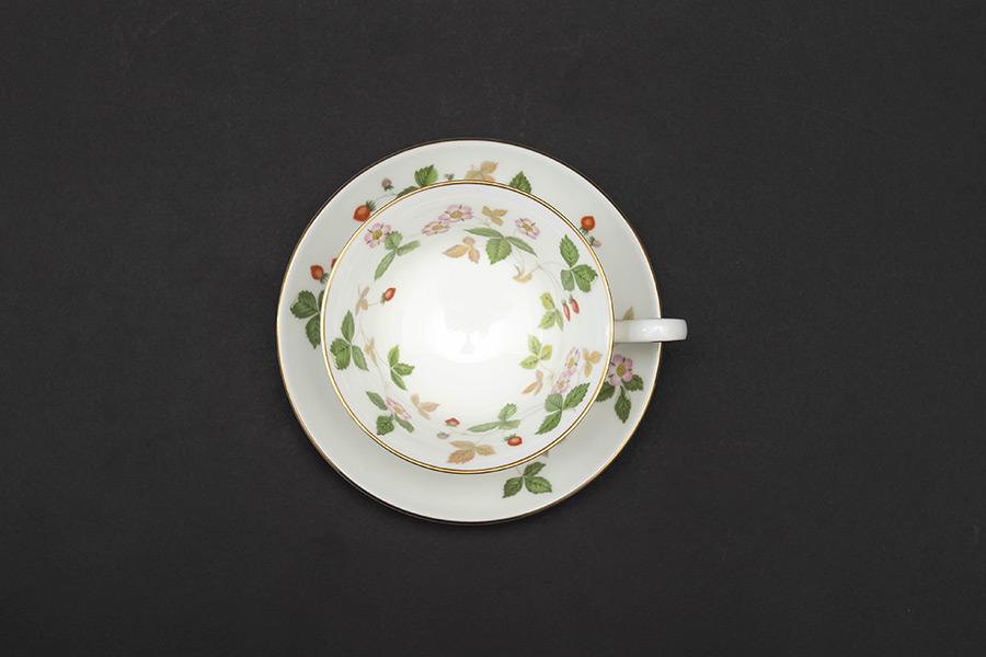 ウェッジウッド ワイルドストロベリー ティーカップ&ソーサー(ピオニー)