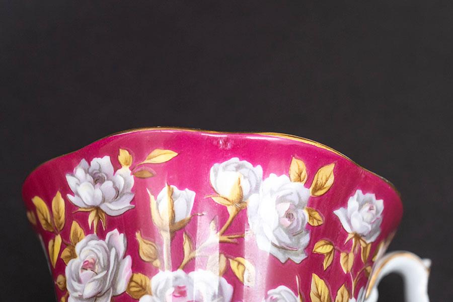 ロイヤル・アルバート メリーイングランドシリーズ(バルモラル) ティーカップ&ソーサー