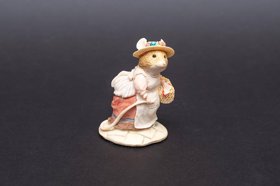 ボーダー・ファイン・アーツ 『ブランブリーヘッジ』 レディーウッドマウス