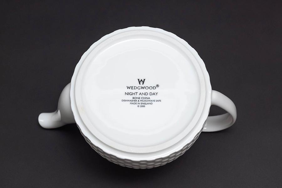 ウェッジウッド ナイト&デイ ティーポット(Sサイズ)