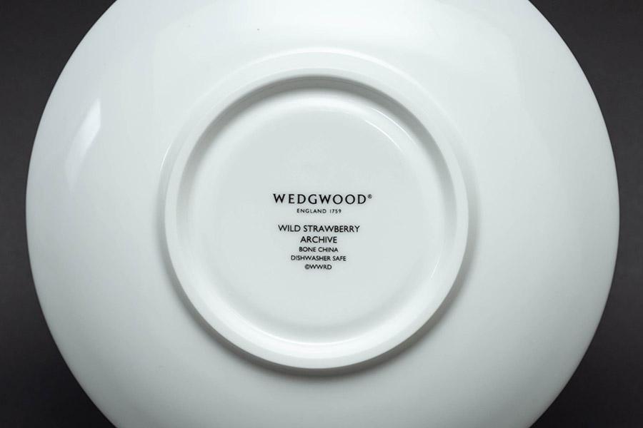 ウェッジウッド ワイルドストロベリーアーカイブ ティーカップ&ソーサー(ピオニー)