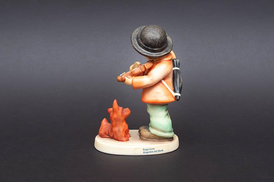 ゲーベル フンメル人形 『Puppy Love(パピー大好き)』