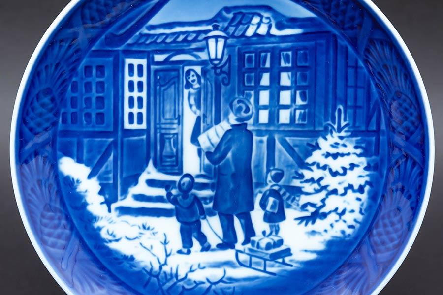 ロイヤル・コペンハーゲン イヤープレート(1994年)『Christmas Shopping(お父さんとお買い物)』