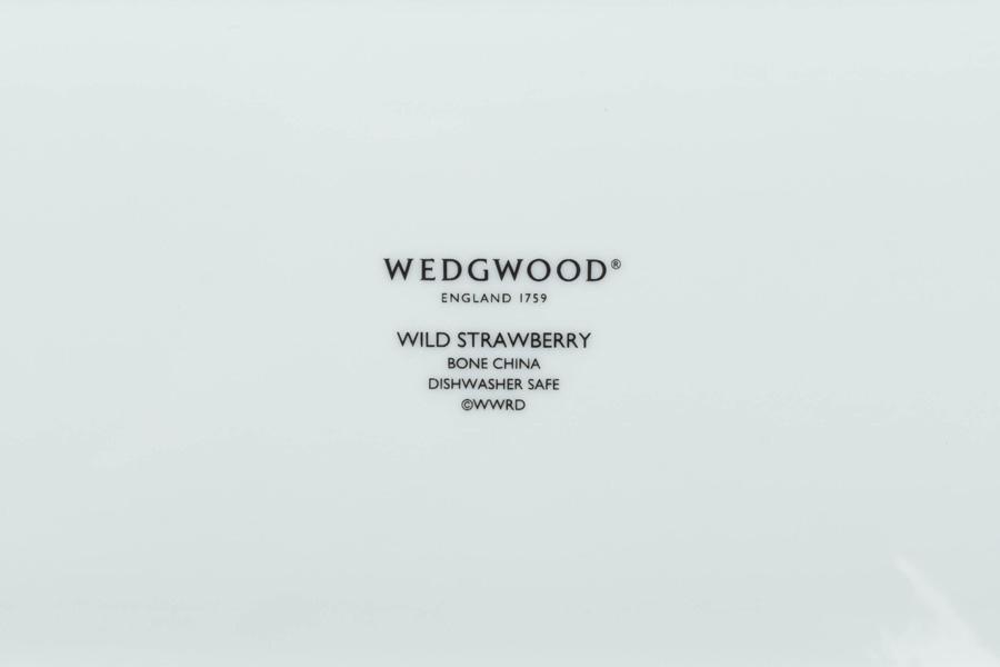 ウェッジウッド ワイルドストロベリーアルフレスコ サンドイッチトレイ