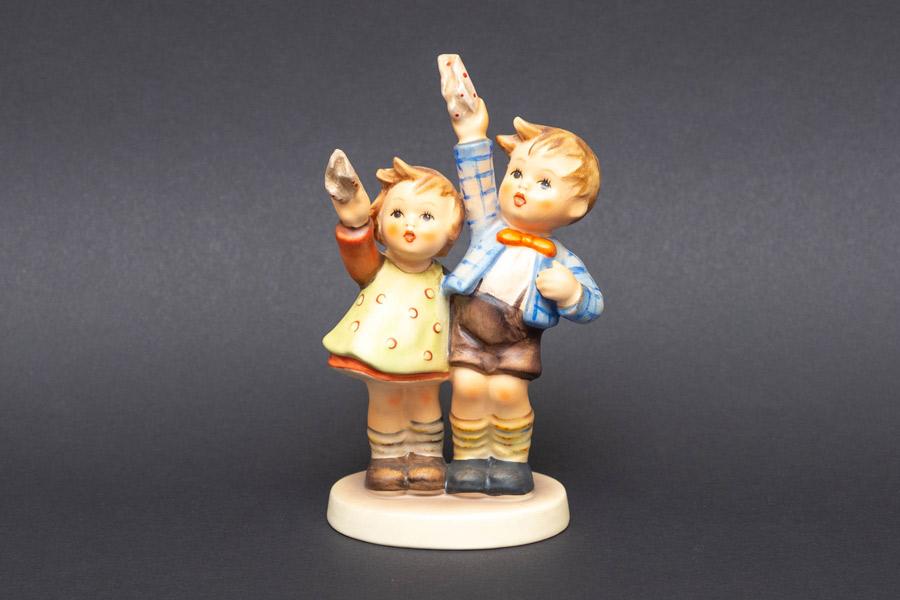 ゲーベル フンメル人形 『Goodbye(さようなら)』