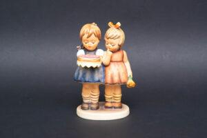 ゲーベル フンメル人形 『Happy Birthday(ハッピーバースデー)』